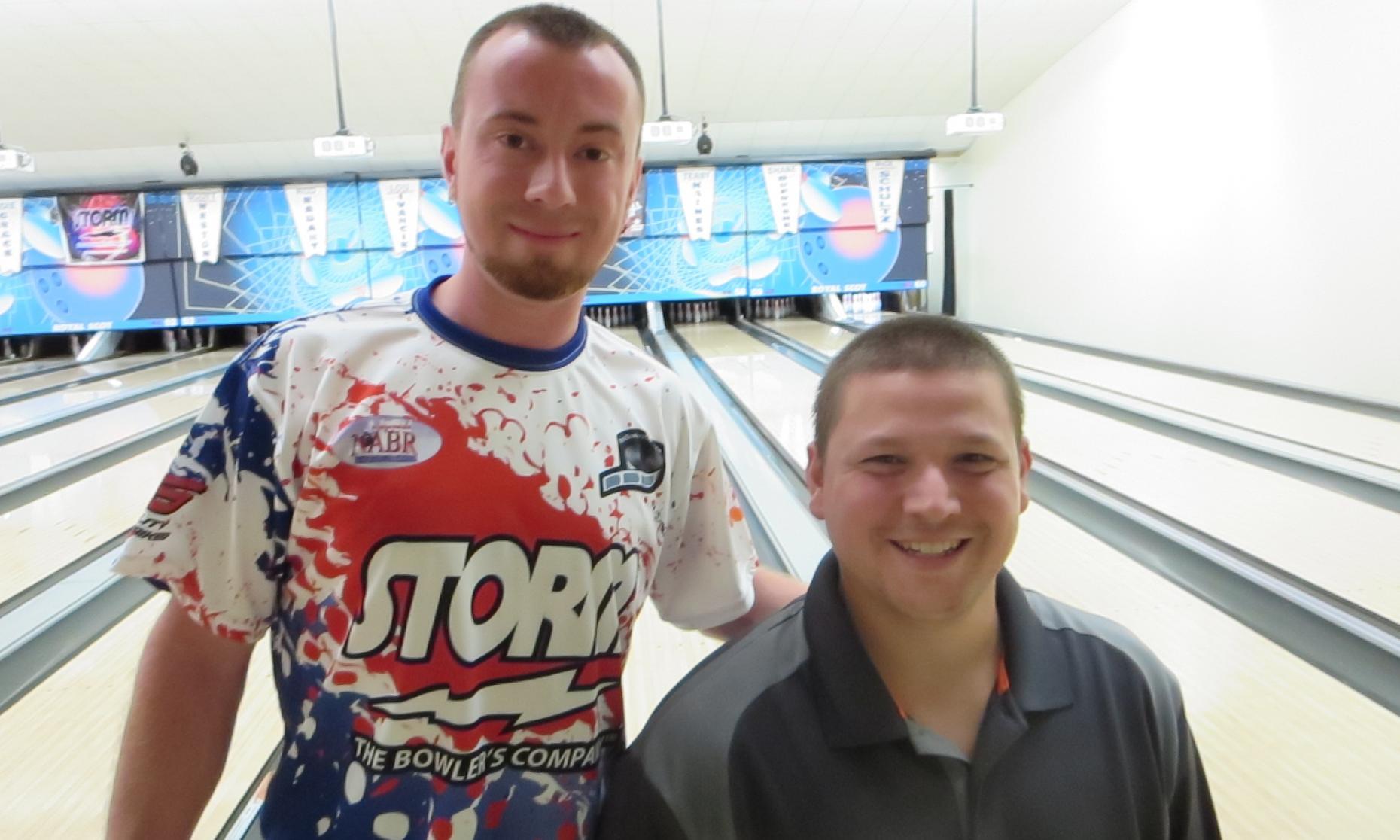 Champion Steve Novak and runner-up Jason Rasinske